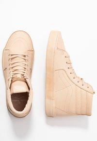 Vans - SK8 VIVIENNE WESTWOOD - Skate shoes - tan - 5