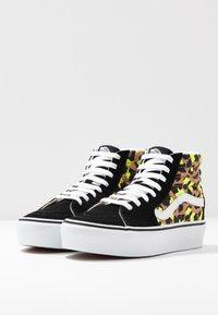Vans - SK8 PLATFORM 2.0 - Sneakers alte - camel/black/true white - 6