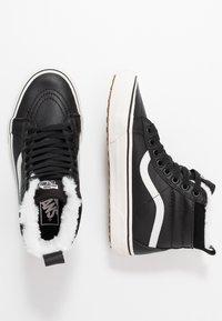 Vans - SK8 MTE - Sneaker high - black/true white - 3