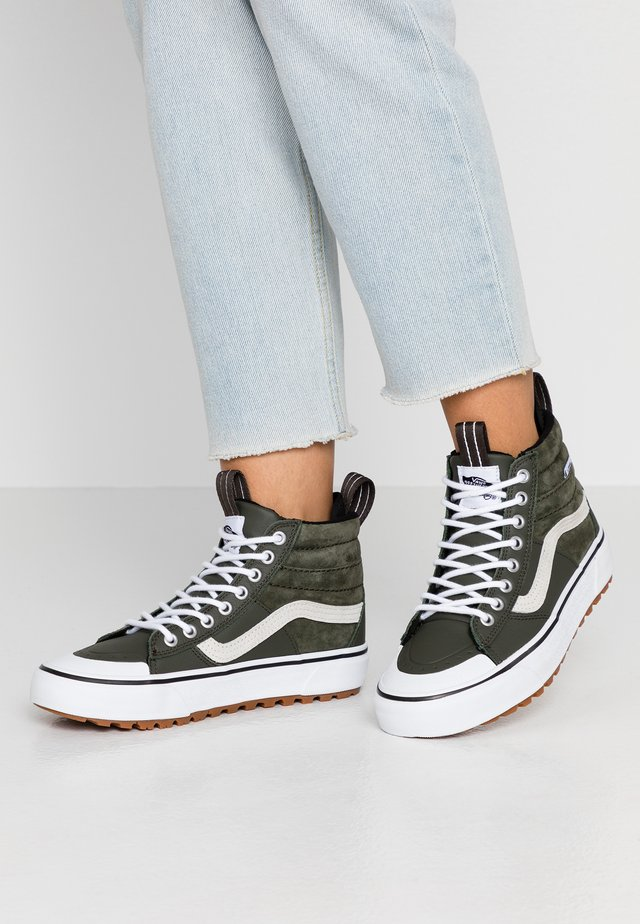 SK8 MTE 2.0 DX - Höga sneakers - forest night/true white