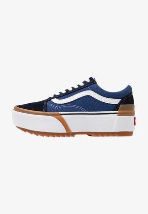 OLD SKOOL STACKED - Sneakers laag - navy/true white