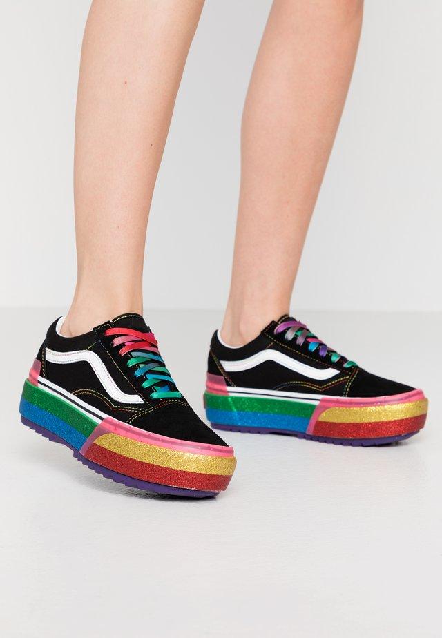 OLD SKOOL STACKED - Sneakers basse - black/rainbow