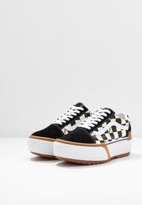 Vans - OLD SKOOL STACKED - Sneakers basse - multicolor/true white - 6