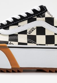 Vans - OLD SKOOL STACKED - Sneakers basse - multicolor/true white - 2