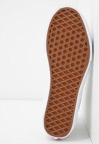 Vans - SK8 TAPERED - Baskets montantes - white/true white - 6