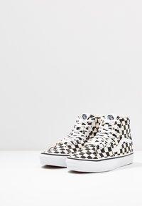 Vans - Zapatillas altas - black/true white - 5
