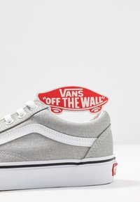 Vans - OLD SKOOL - Sneakers basse - silver/true white - 7