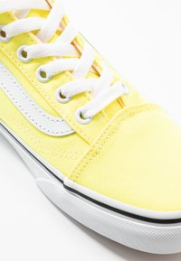 Vans - OLD SKOOL - Baskets basses - lemon tonic/true white - 2