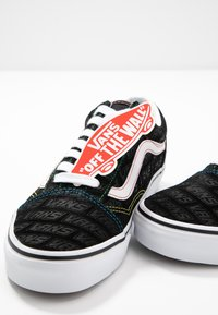 Vans - OLD SKOOL - Joggesko - black/true white - 7