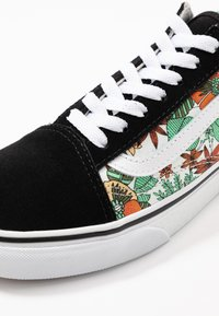 Vans - OLD SKOOL - Matalavartiset tennarit - multicolor/black/true white - 2