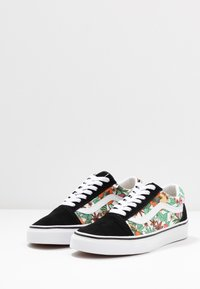 Vans - OLD SKOOL - Matalavartiset tennarit - multicolor/black/true white - 4