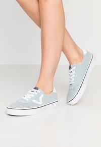 Vans - SPORT - Sneakers laag - washed/true white - 0