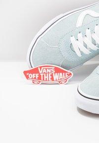 Vans - SPORT - Sneakers laag - washed/true white - 7