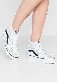 Vans - SK8 TAPERED - Zapatillas altas - true white/black - 0