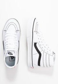 Vans - SK8 TAPERED - Zapatillas altas - true white/black - 3