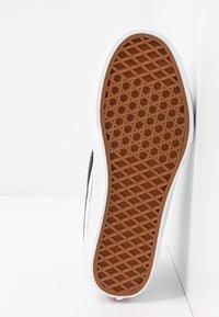 Vans - SK8 TAPERED - Zapatillas altas - true white/black - 6