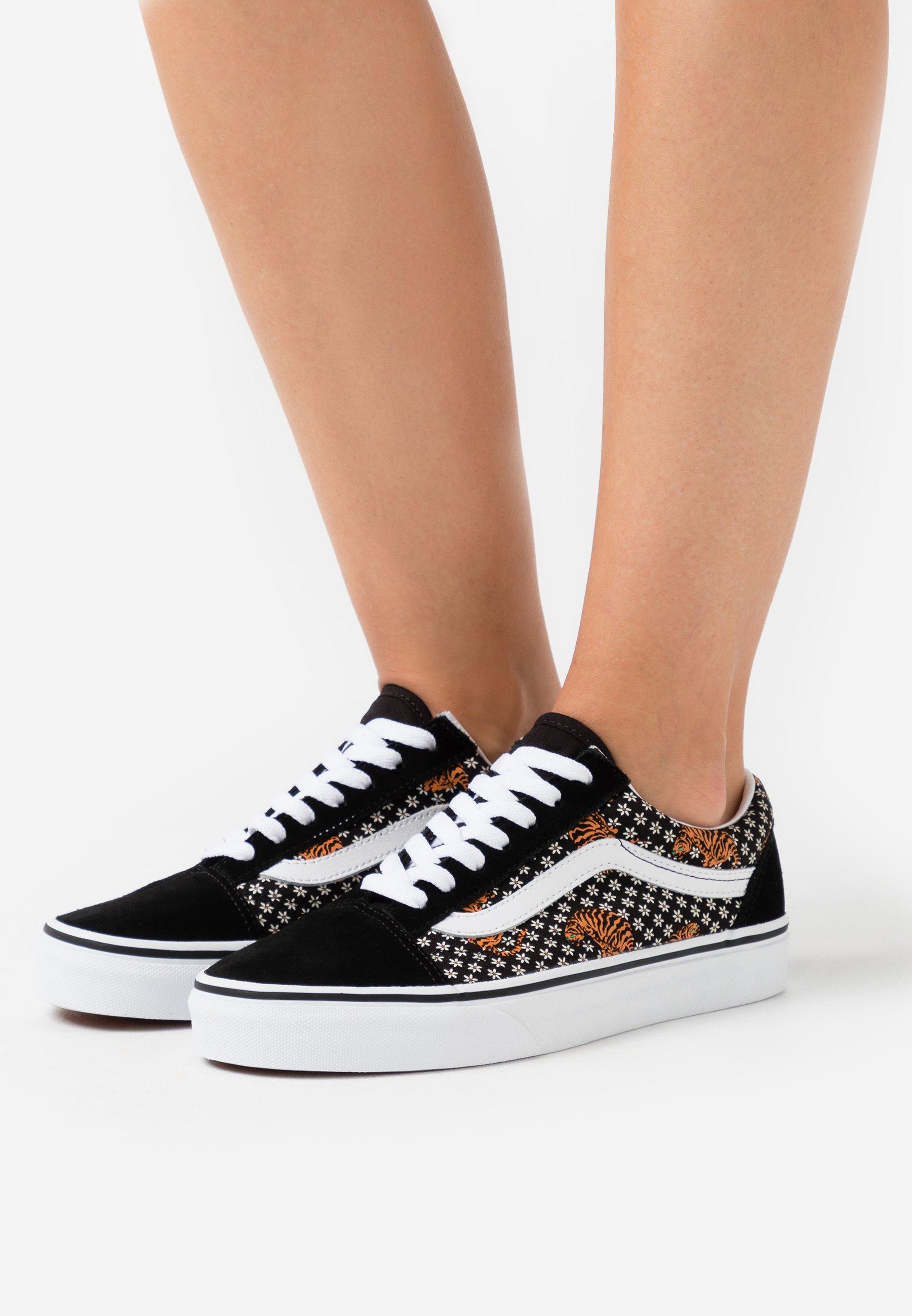 OLD SKOOL Sneaker low blacktrue white