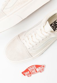 Vans - UA OLD SKOOL PLATFORM - Baskets basses - marshmallow - 7
