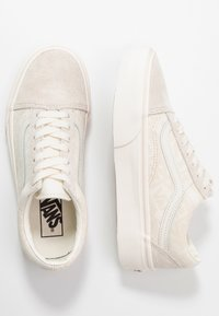 Vans - UA OLD SKOOL PLATFORM - Baskets basses - marshmallow - 3