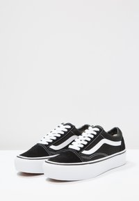 Vans - UA OLD SKOOL PLATFORM - Baskets basses - black/white - 3