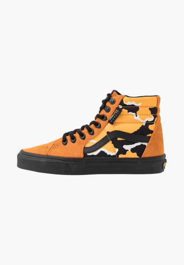 SK8 - Zapatillas altas - amberglow/black