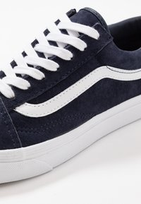 Vans - OLD SKOOL - Tenisky - parisian night/true white - 6