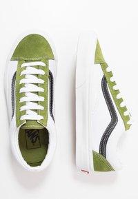 Vans - STYLE 36 - Zapatillas - calla green/true white - 1