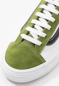 Vans - STYLE 36 - Joggesko - calla green/true white - 6