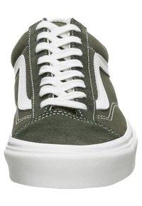 Vans - STYLE 36 - Sneakersy niskie - olive - 5