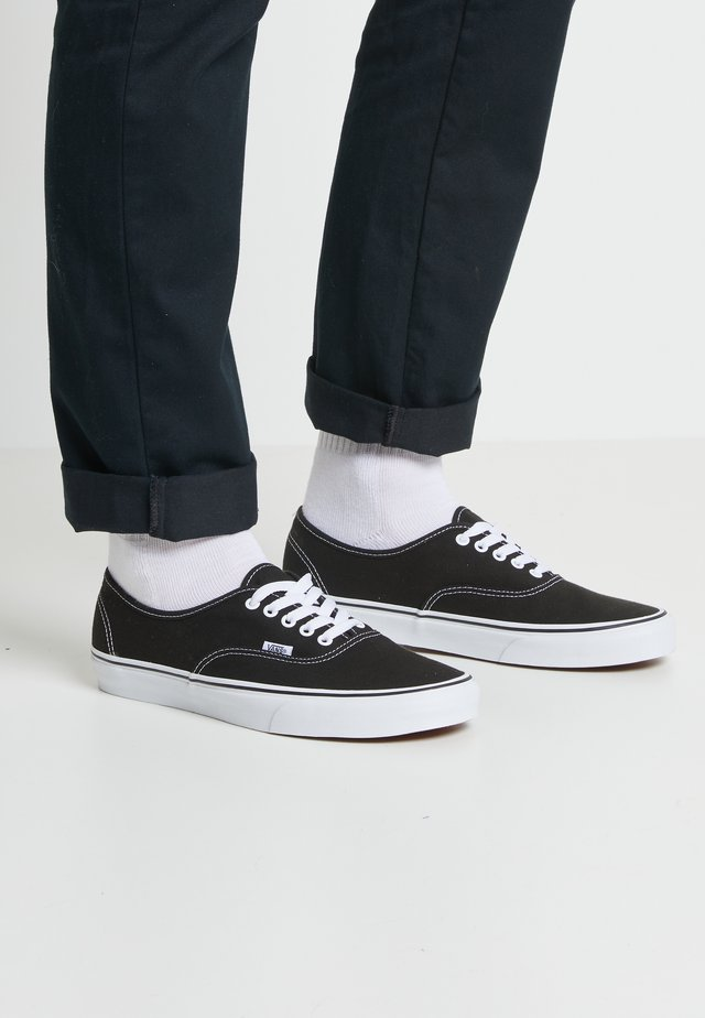 AUTHENTIC - Sneaker low - black
