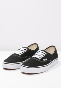 Vans - AUTHENTIC - Sneakersy niskie - black - 6
