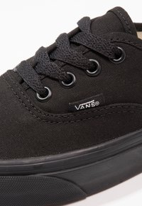 Vans - AUTHENTIC - Sneakersy niskie - black - 5