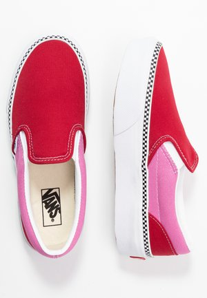 CLASSIC SLIP-ON PLATFORM - Loaferit/pistokkaat - chili pepper/fuchsia pink