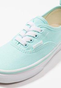 Vans - AUTHENTIC ELASTIC LACE - Slip-ons - blue tint/true white - 2