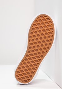 Vans - OLD SKOOL - Sneakers laag - chalk pink/true white - 5