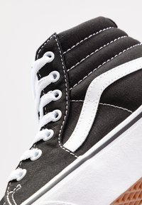 Vans - SK8 PLATFORM 2.0 - High-top trainers - black/true white - 2