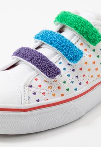 Vans - STYLE 23  - Sneakers laag - rainbow/true white - 2