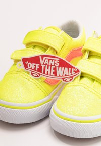 Vans - OLD SKOOL - Sneakers basse - neon glitter yellow/true white - 6