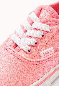 Vans - AUTHENTIC ELASTIC LACE - Slip-ons - neon glitter pink/true white - 2