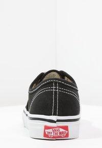 Vans - AUTHENTIC - Sneakersy niskie - black/true white - 3
