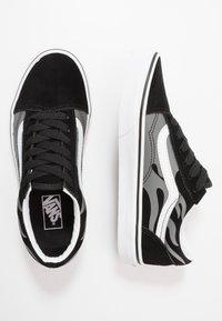 Vans - OLD SKOOL - Trainers - black/true white - 0