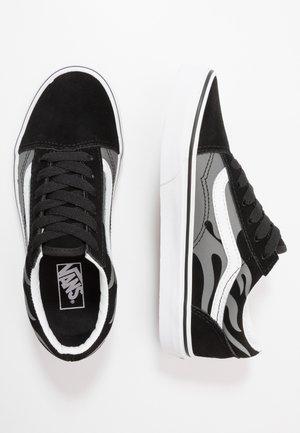 OLD SKOOL - Sneaker low - black/true white