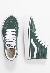 Vans - SK8 - Zapatillas altas - trekking green/true white - 0