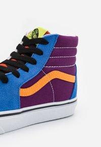 Vans - SK8 - Zapatillas altas - grape juice/bright marigold - 5