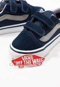 Vans - OLD SKOOL - Sneakers basse - dress blues/drizzle - 6