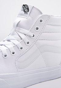 Vans - SK8-HI - Sneakers alte - true white - 9