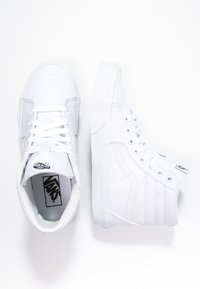 Vans - SK8-HI - Höga sneakers - true white - 1