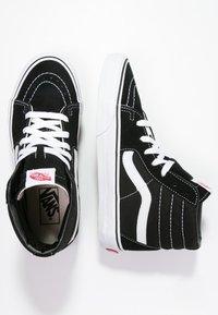 Vans - SK8-HI - Sneakersy wysokie - black - 8