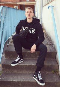 Vans - SK8-HI - Sneakersy wysokie - black - 6