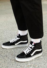 Vans - SK8-HI - Sneakersy wysokie - black - 5